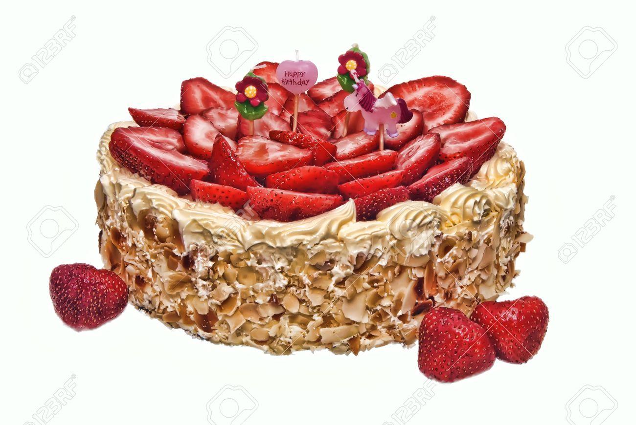 foto de archivo tarta de cumpleaos almendra fresa con cuatro infantiles velas nadie aislado sobre blanco iluminada