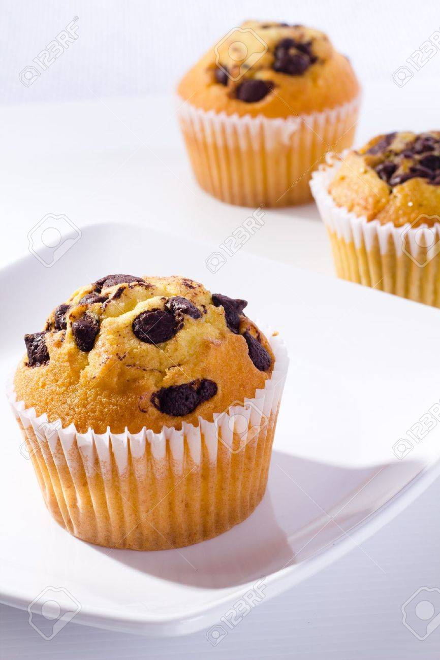 muffin with chocolate chip - 11120357