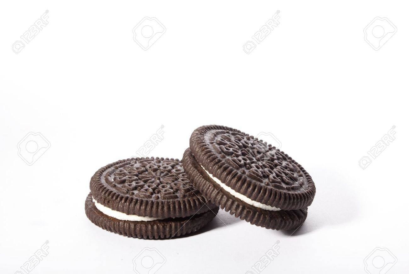 Chocolate cookies with creme filing - 11517776