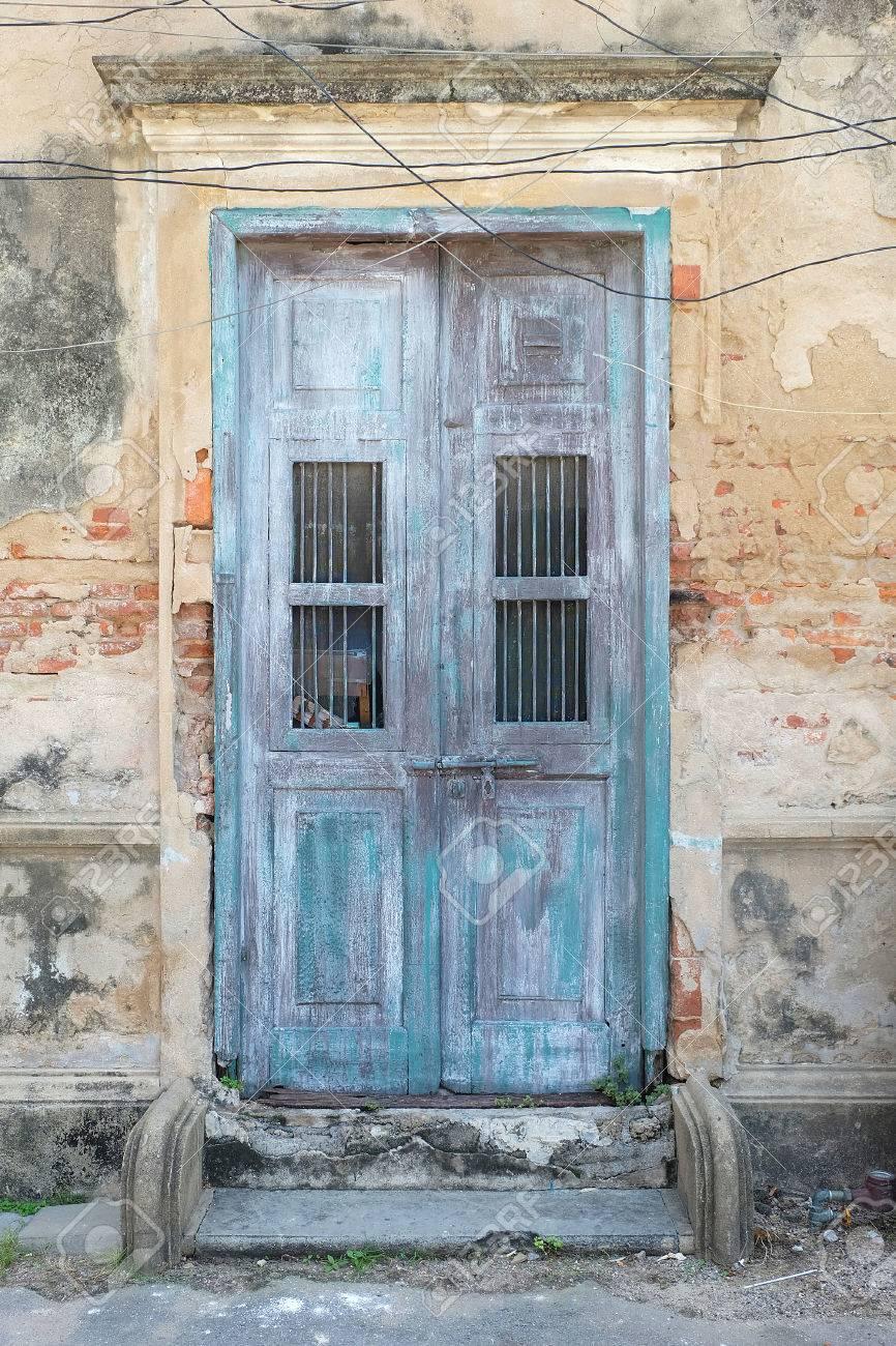 Vintage Tür vintage tür lizenzfreie fotos, bilder und stock fotografie. image
