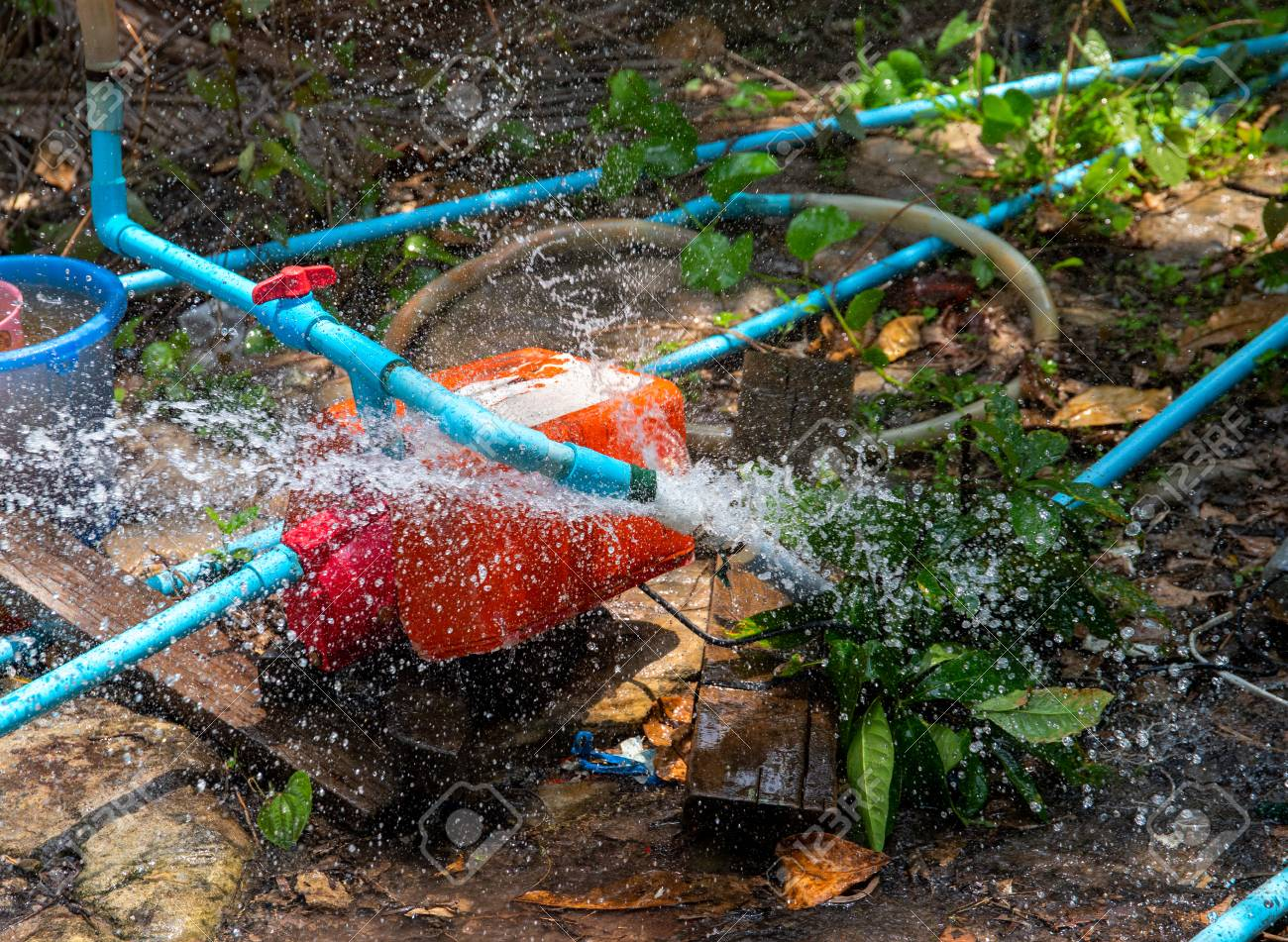 Breakthrough water pipe  Broken water supply  Fresh water recourse