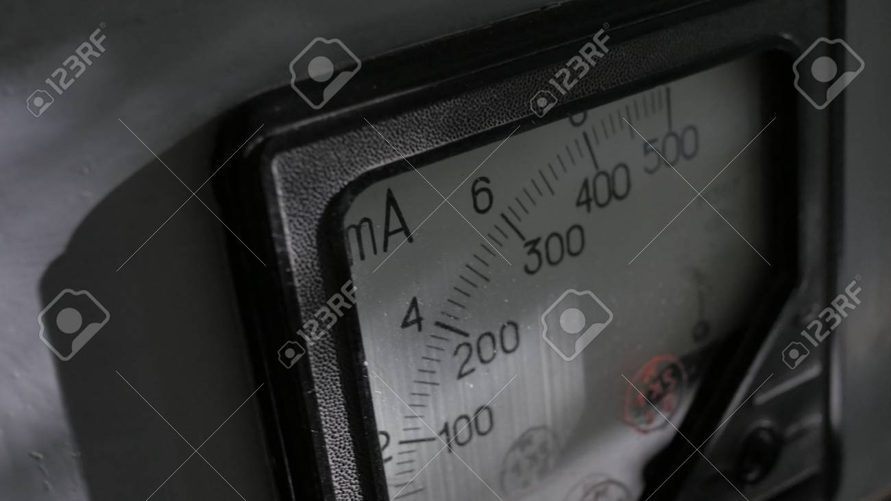 Old analog ammeter - 90611551