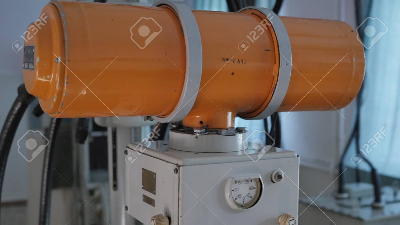 vintage x-ray machine - 90611556