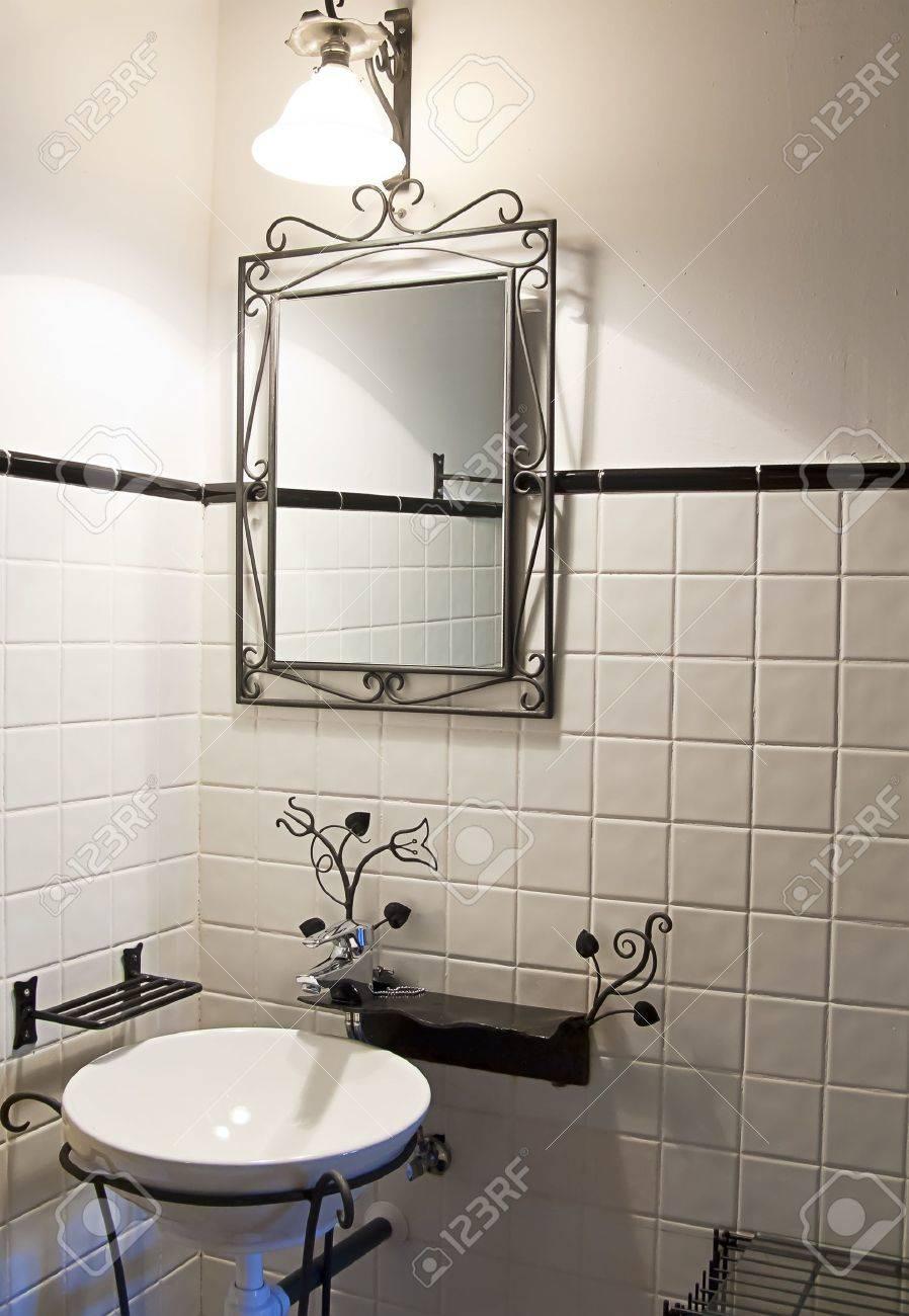 Empty bathroom decorated in a retro style Stock Photo - 11739735