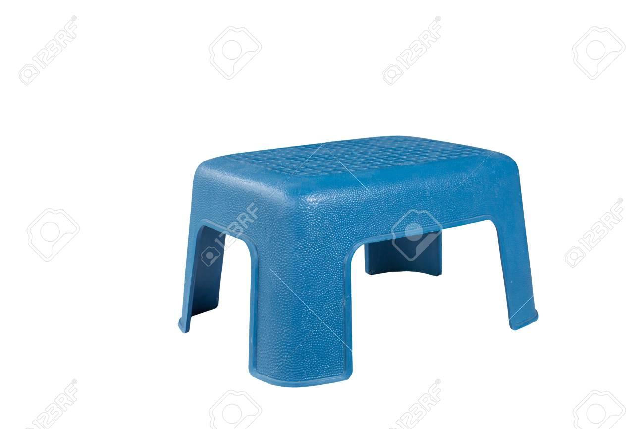 Immagini stock sedia di plastica blu isolata su fondo bianco