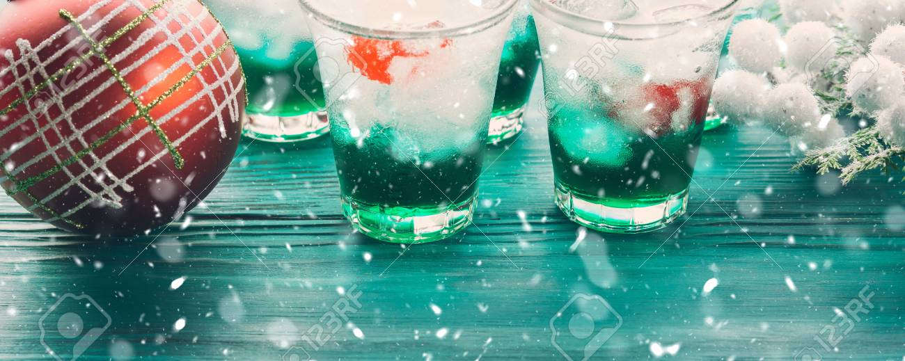 Christmas Drinks Alcohol.Christmas Holiday Party Green Alcohol Drinks With Cherry Festive