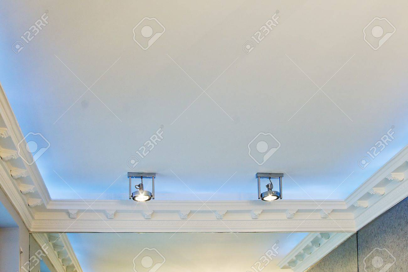 the stucco ceiling mounted in luxurious room Stock Photo - 13715265