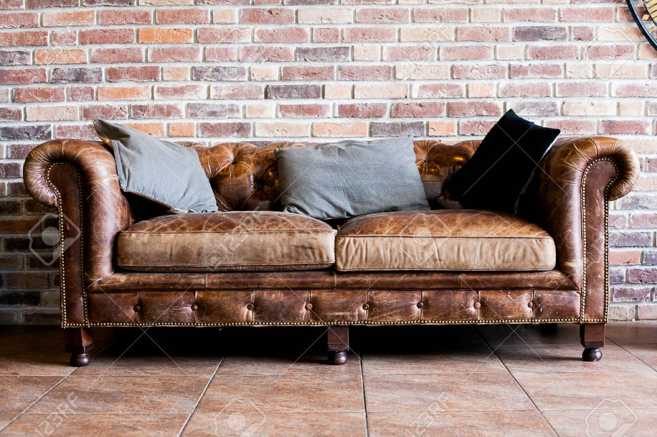 Vintage Style Of Interior Decoration The Leather Sofa In Room Stock ...