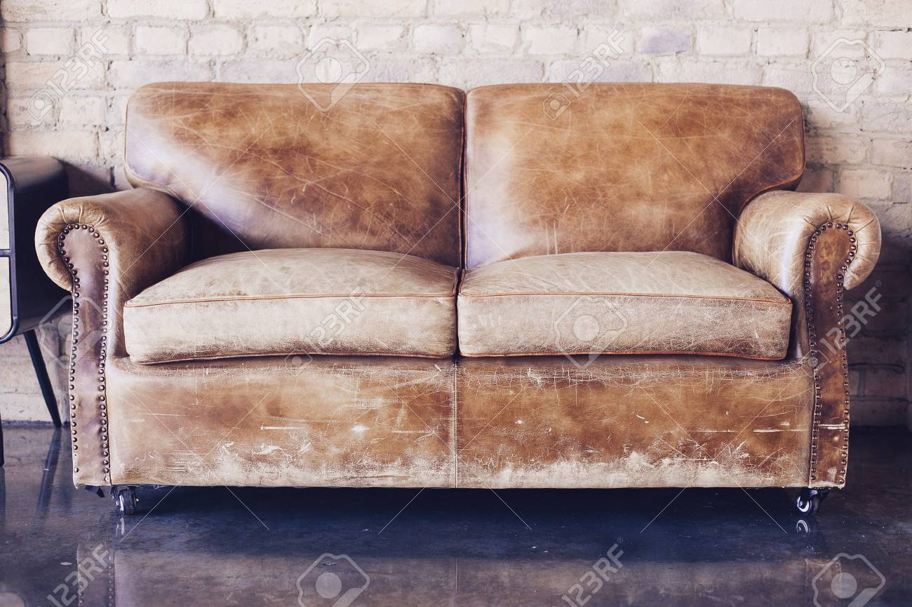 Tremendous Beautiful Living Room With Vintage Style Leather Sofa Dailytribune Chair Design For Home Dailytribuneorg