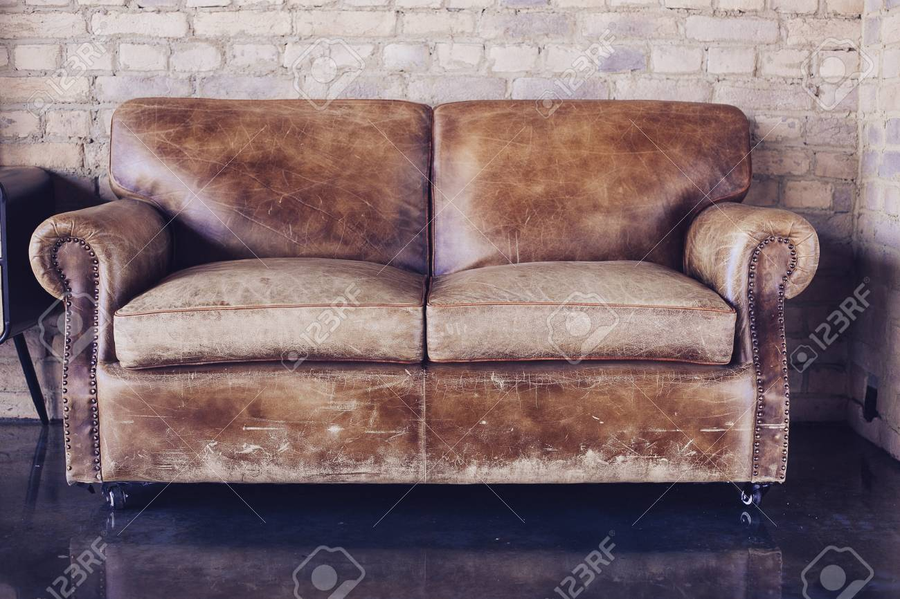 Excellent Beautiful Living Room With Vintage Style Leather Sofa Dailytribune Chair Design For Home Dailytribuneorg