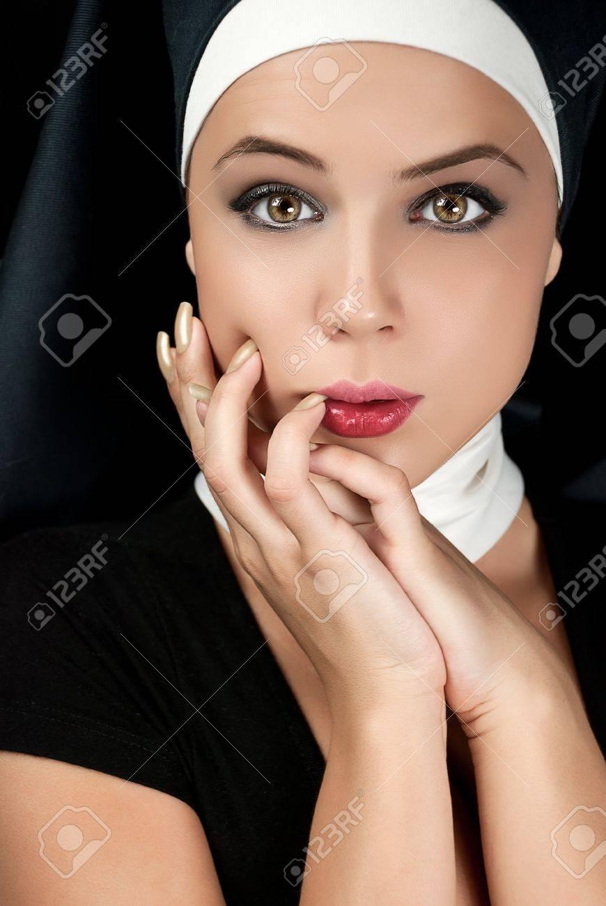 Смотреть онлайн монашки сексуально 9 фотография