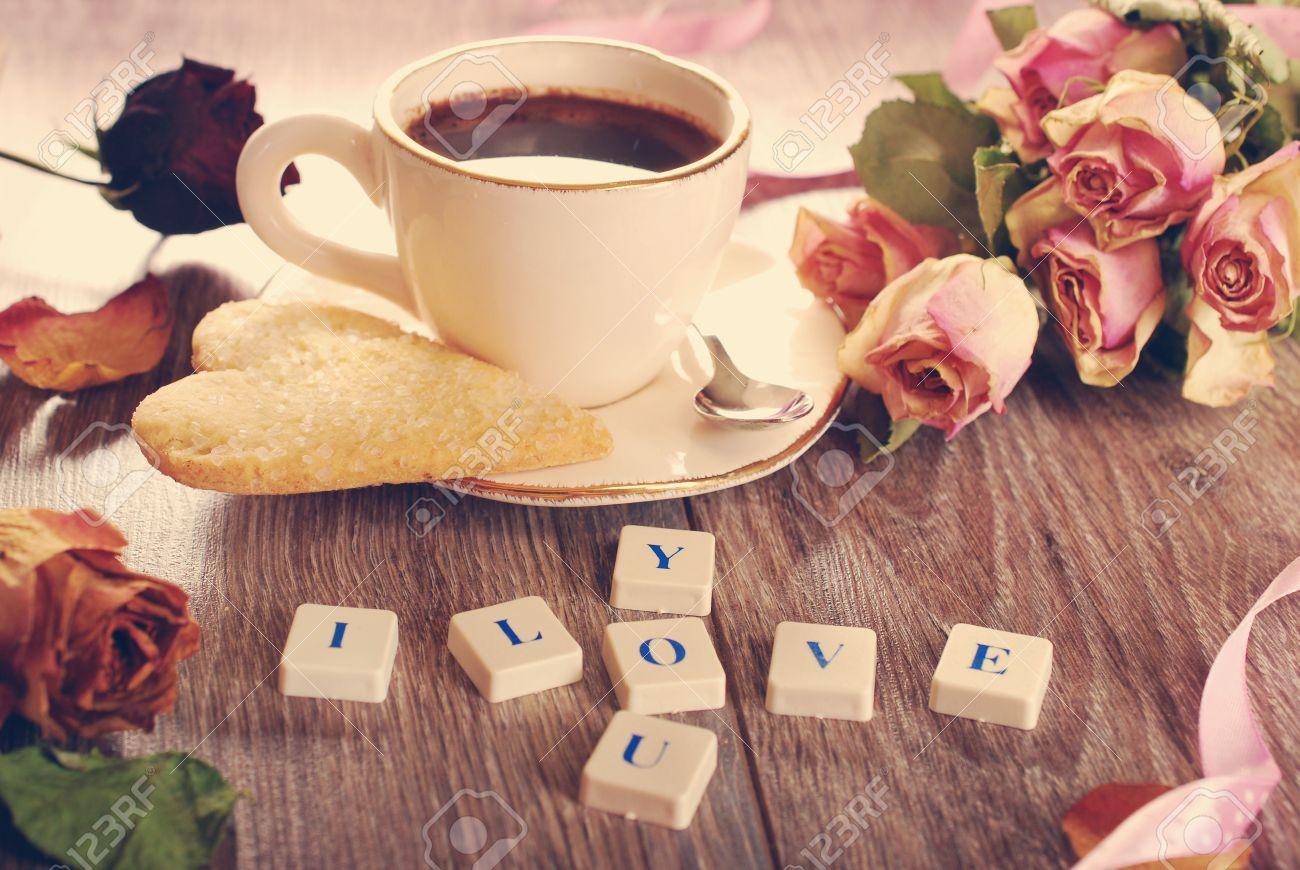 Ti amo fatto di piastrelle alfabeto lettere rose secche tazza di