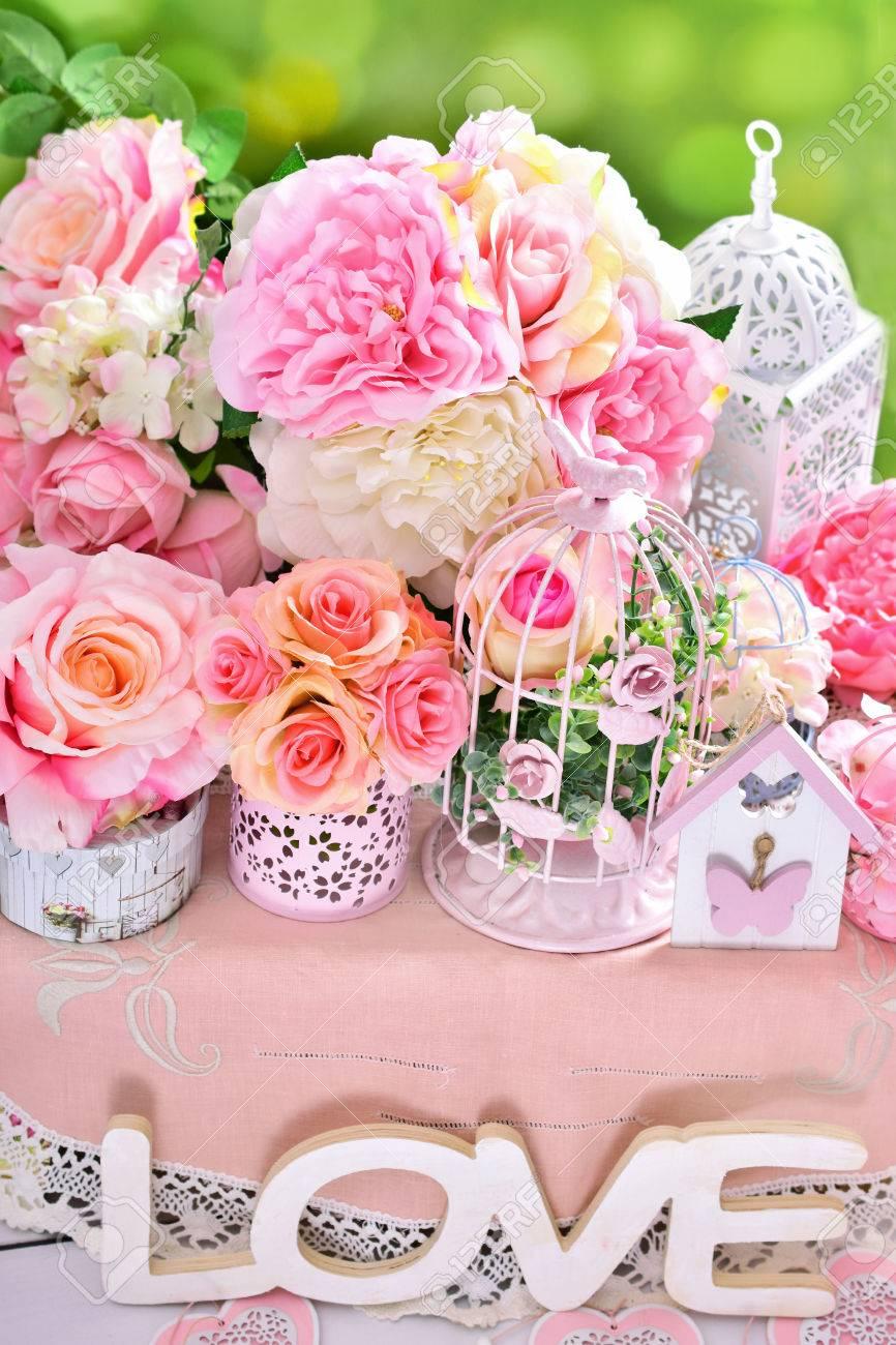 Belle Decoration De Fleur Romantique Dans Un Style Shabby Chic Pour