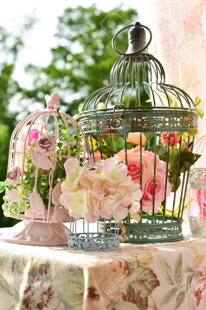 Vintage Stil Metall Vogel Kafige Dekoration Mit Blumen Auf Dem