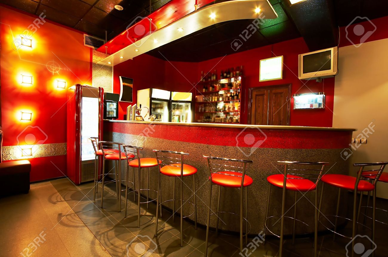Modern and beautiful bar in a night club Stock Photo - 1052532