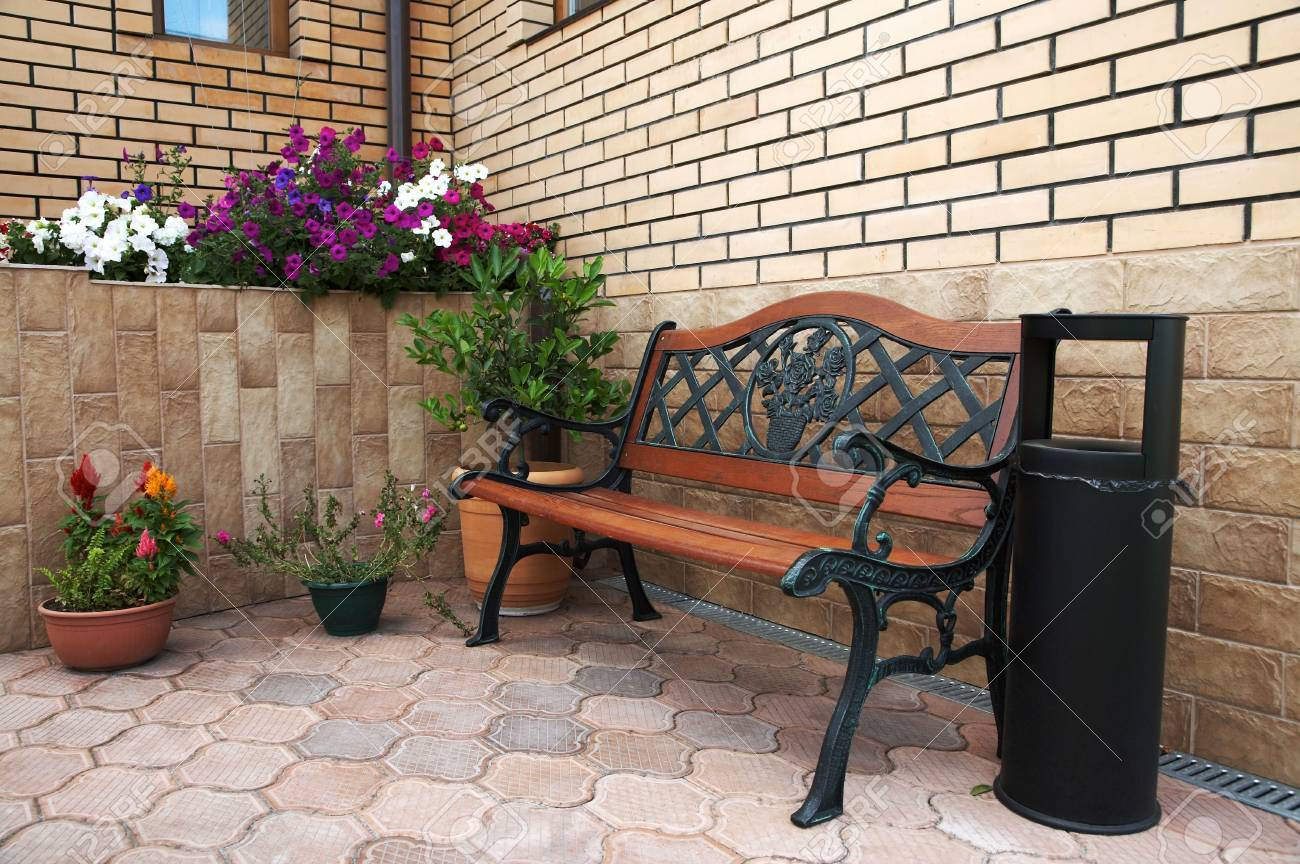 Beautiful bench at an input in the modern house Stock Photo - 1319825