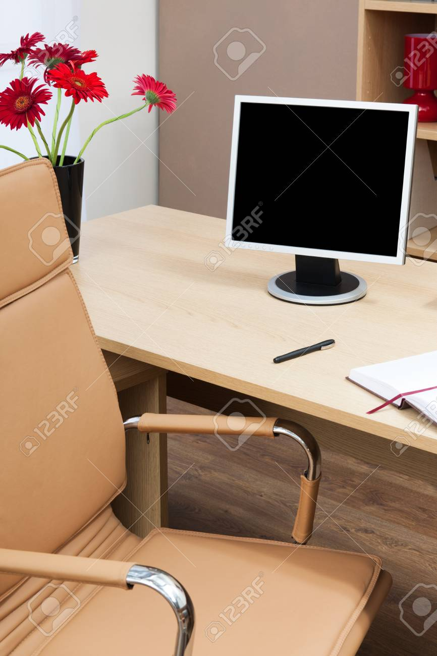 The monitor on a desk at modern office Stock Photo - 12865997