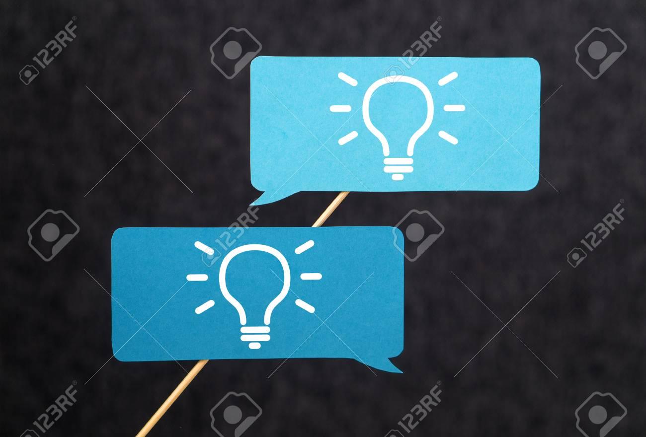 Innovazione Brainstorming Ispirazione E Concetto Di Lavoro Di Gruppo Crea Nuove Idee Innovative E Creative Insieme Al Team Fumetti Del Cartone Sul