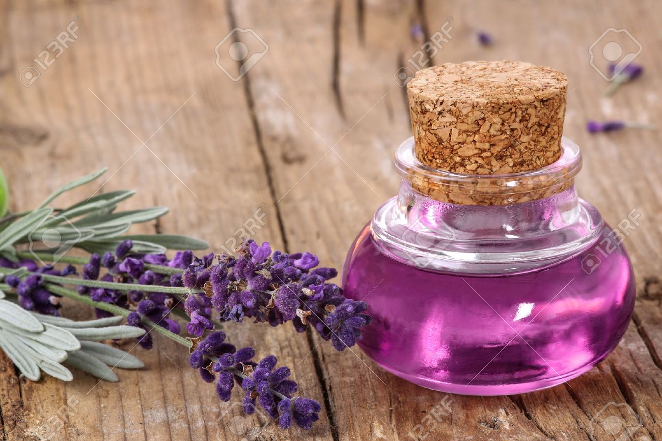 Flask with lavender essence - 34335462