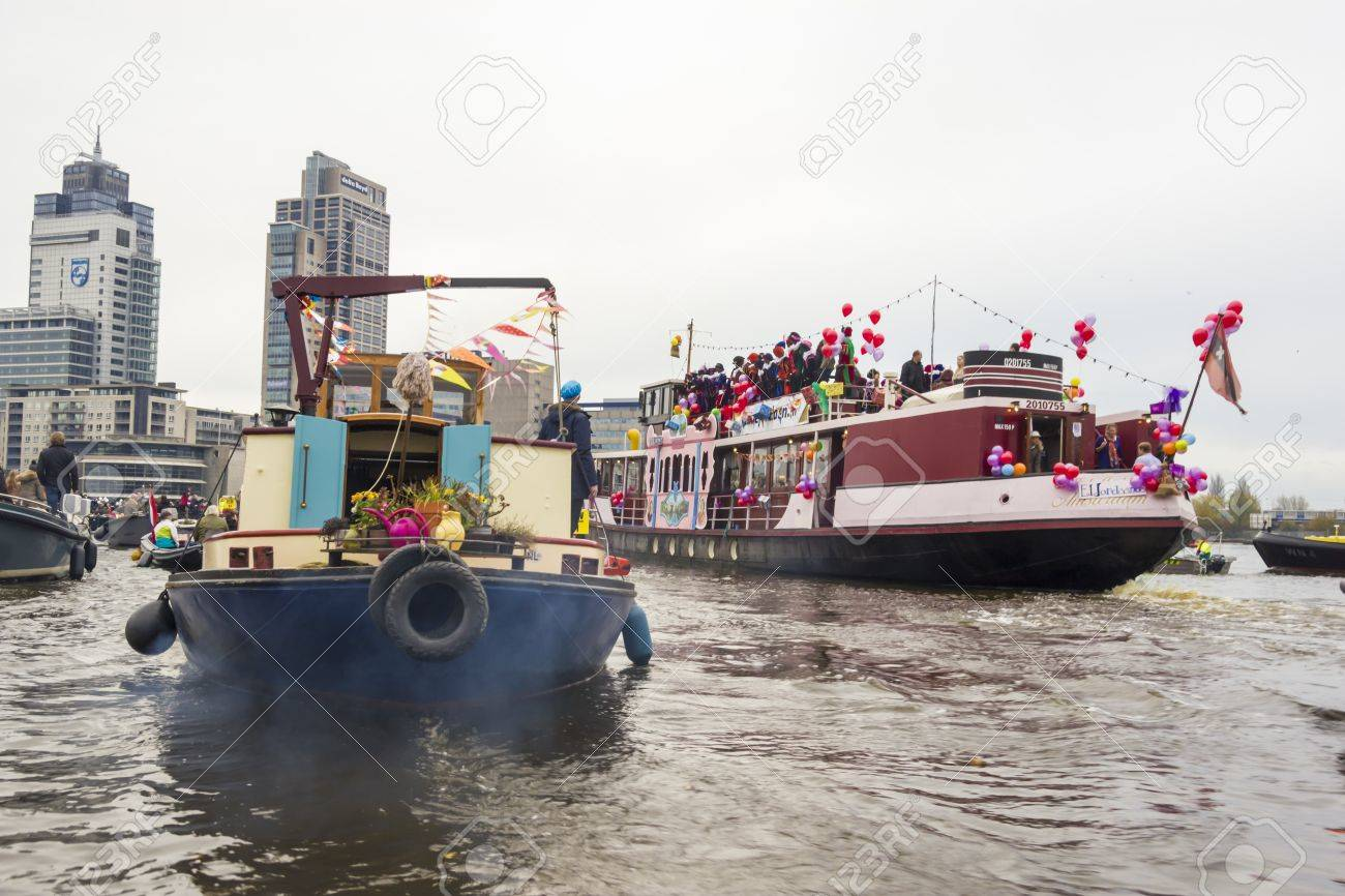 AMSTERDAM, THE NETHERLANDS - NOVEMBER, 18, 2012 - Santa Claus(Sinterklaas) traditionally arriving in Holland by steamboat from Spain in November. Stock Photo - 16679736