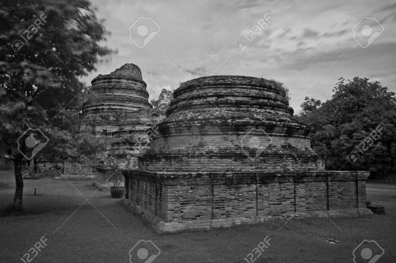 pagoda photo by infrared at Phra Nakhon Si Ayutthaya  thailand Stock Photo - 14839419