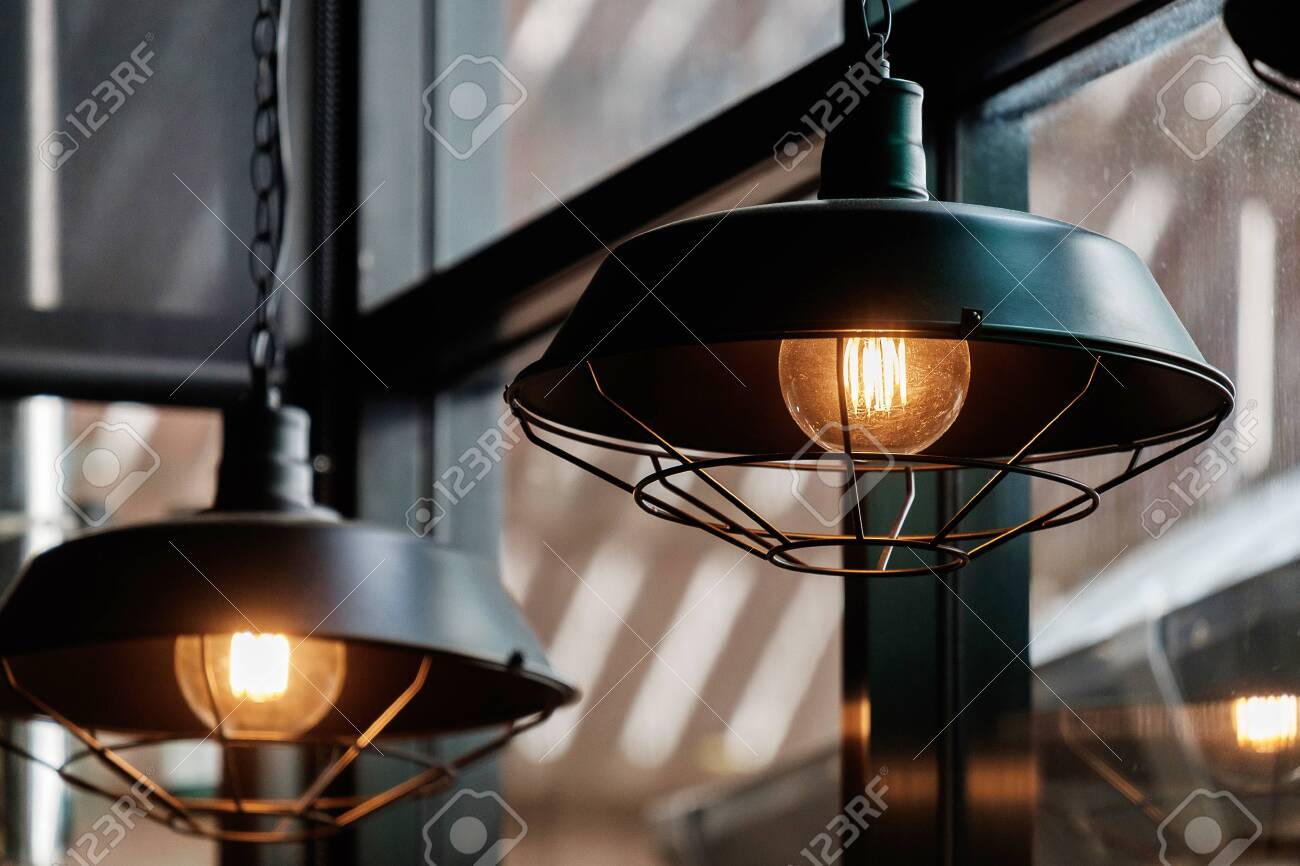 Vintage Retro Style Light Bulbs in the Resturant. - 125671712