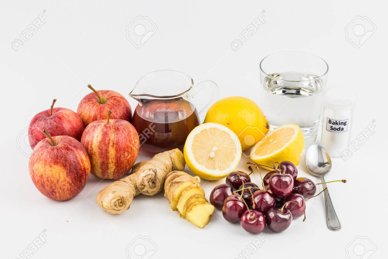 Common home remedy to treat gout inflammation - Cherries, Lemon