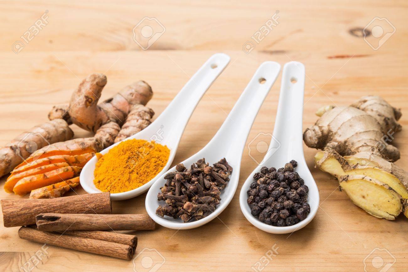 Ingredientes Para El Té De Cúrcuma Saludable Que Consiste En ...