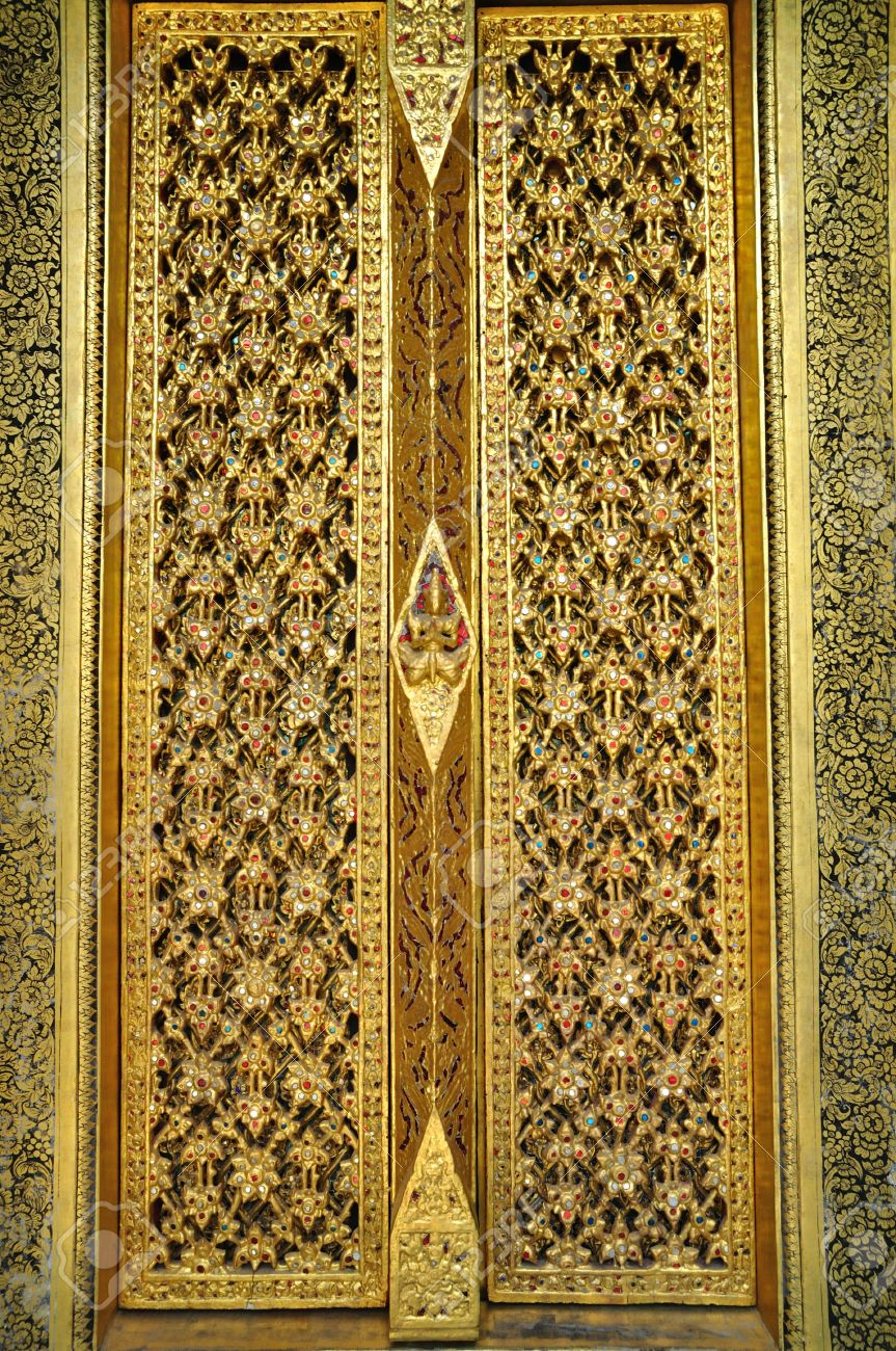 Stock Photo - Thai art golden carving wooden door & Thai Art Golden Carving Wooden Door Stock Photo Picture And Royalty ...