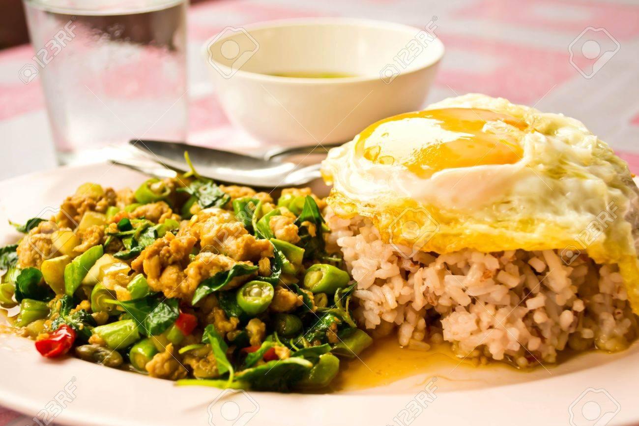 Stir fried basil, Thai food Stock Photo - 19310508