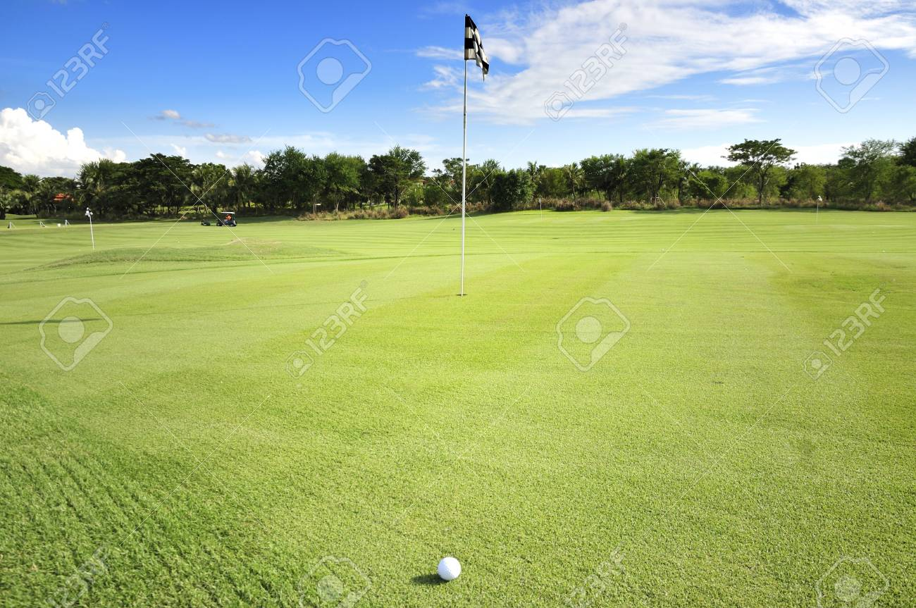 Golf Course Stock Photo - 17338348