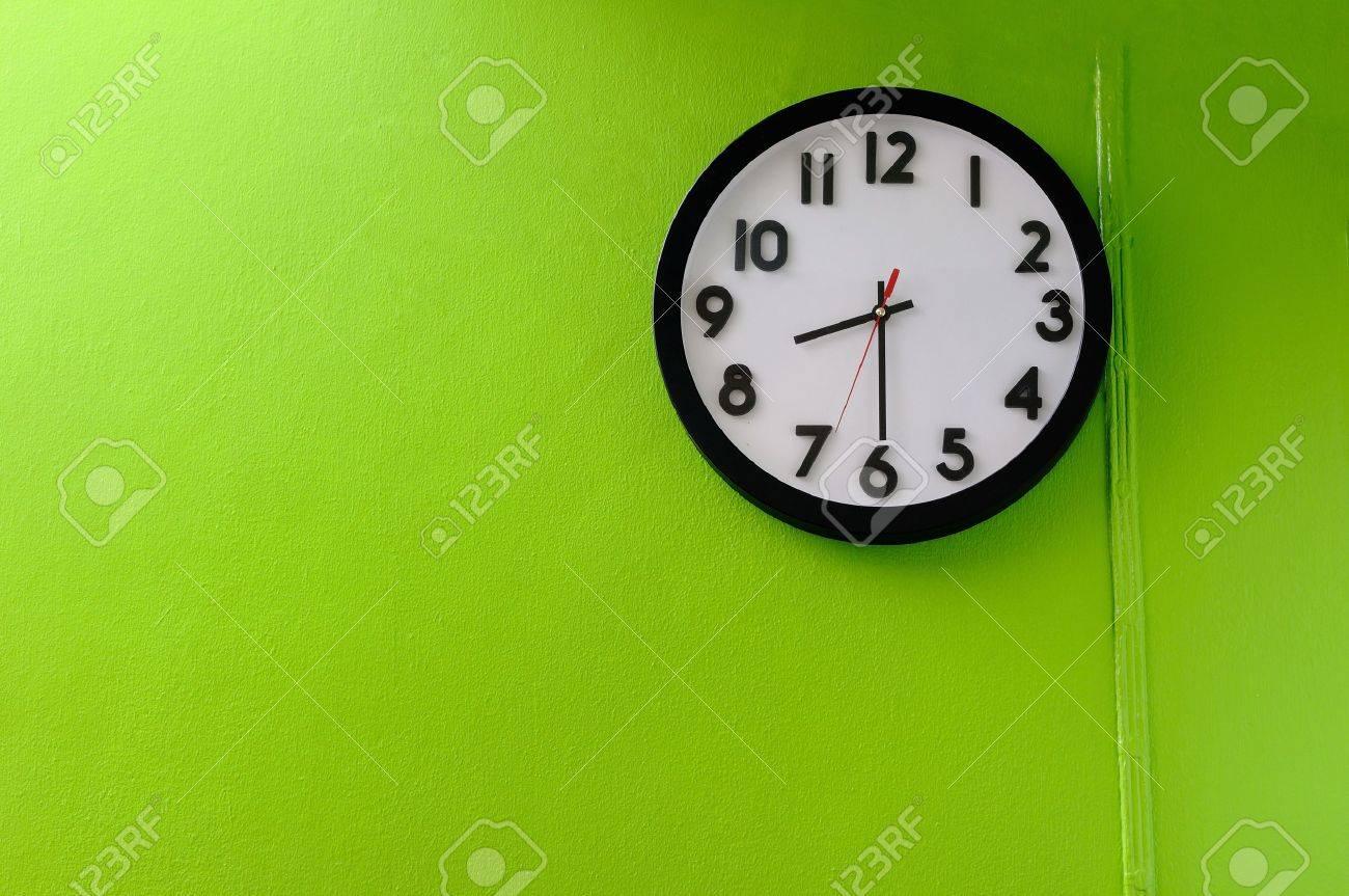 Clock Showing 10 O'clock Clock Showing 8 30 o Clock