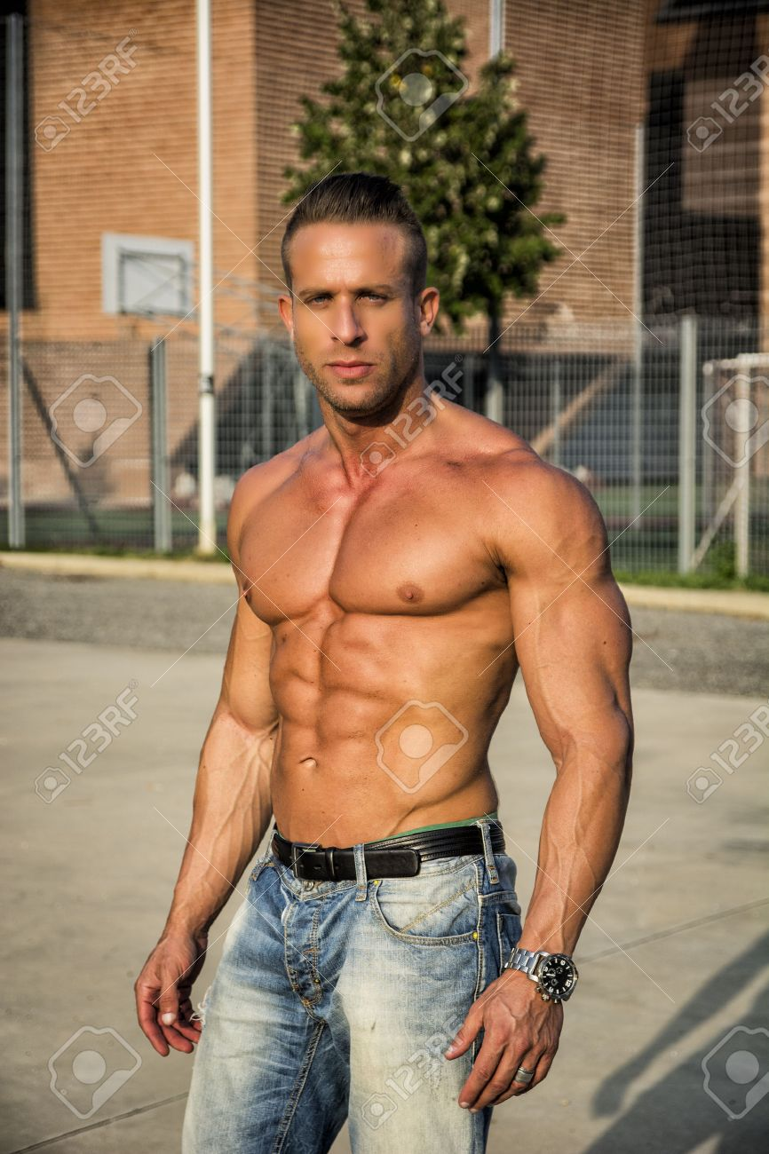 Muscle hunk images 13