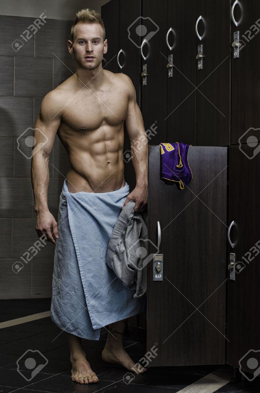nackt latin mannlichen locker room