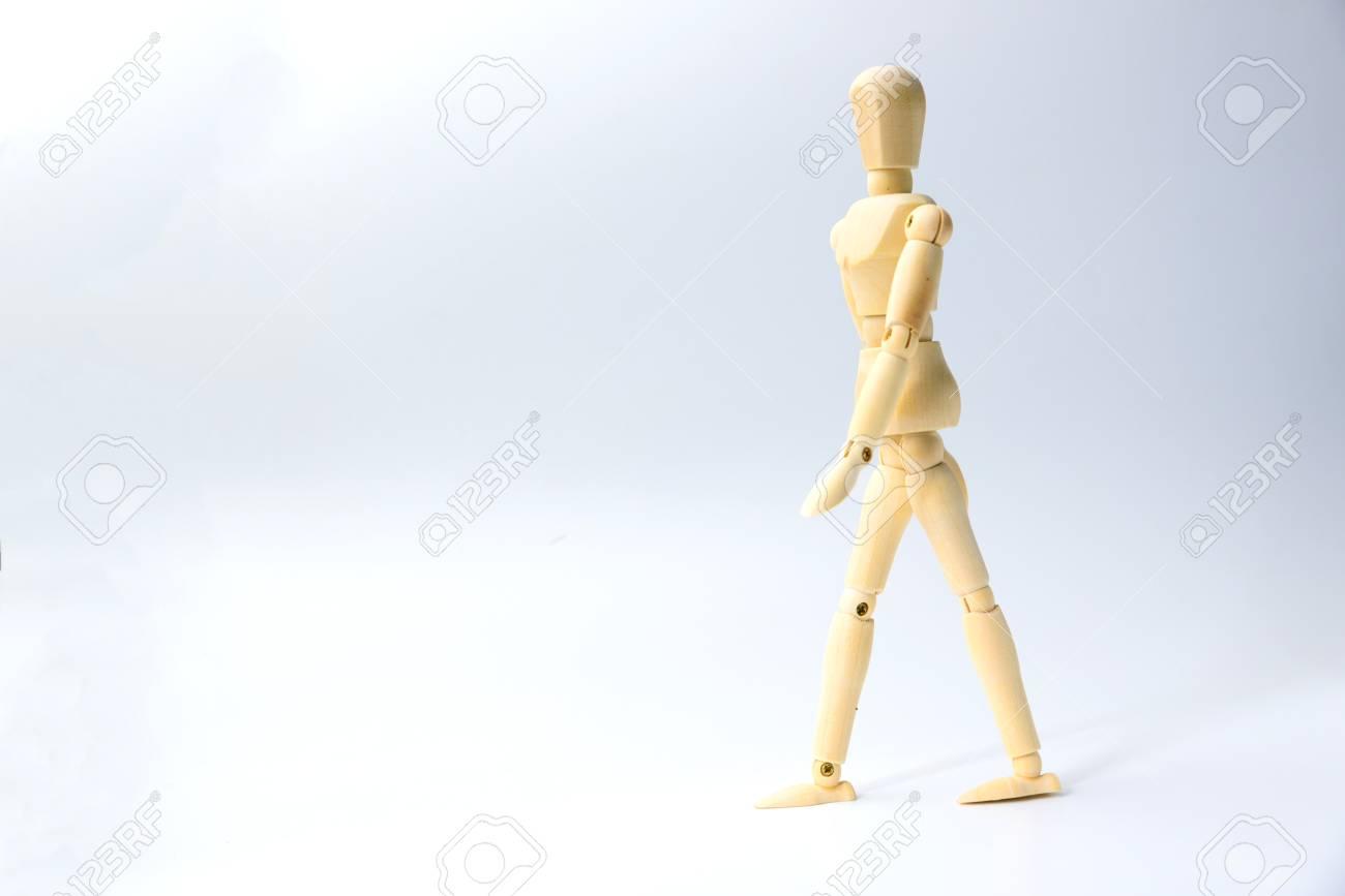 Bambola con di affari di il legno di l'azione aiuto concetto per 5AR34Lj