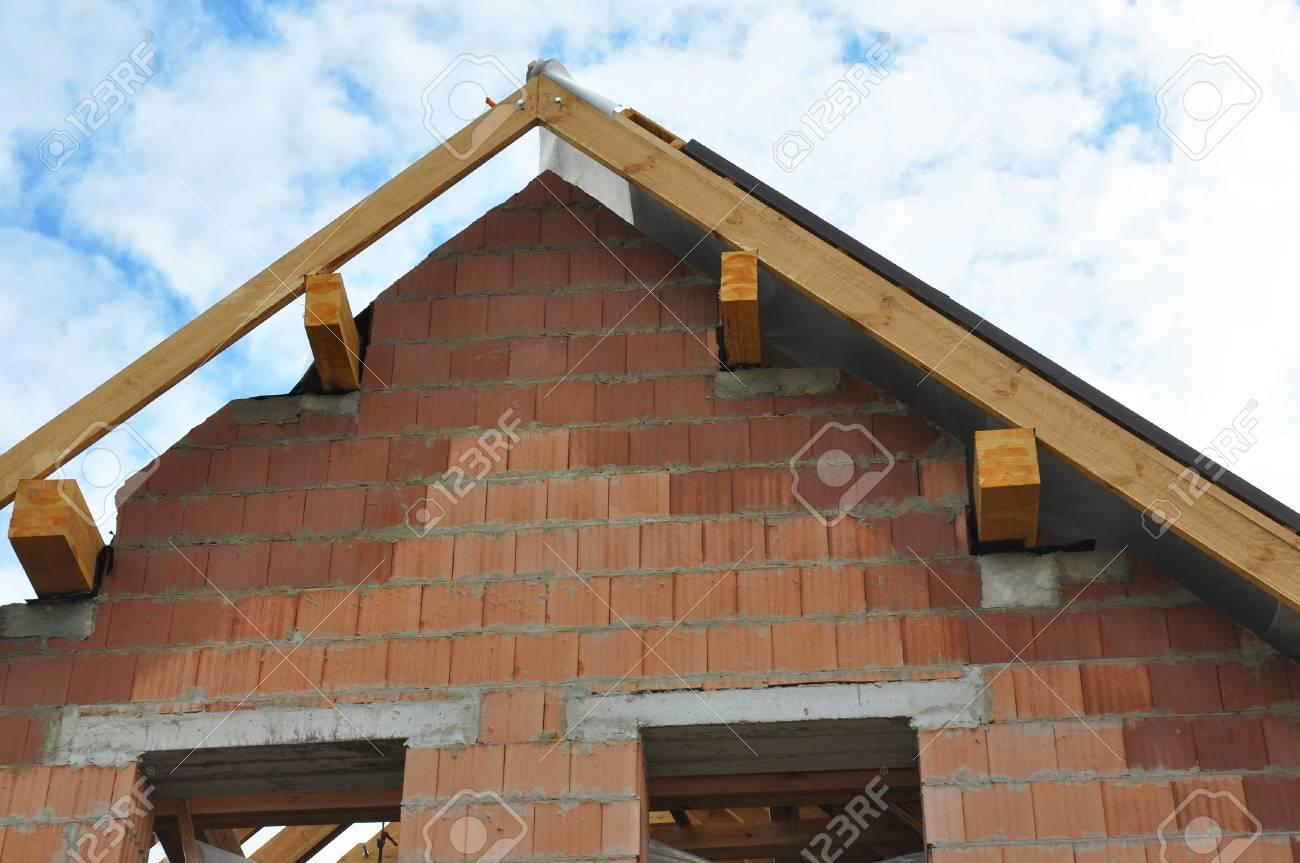 Dachkonstruktion Details Außen. Rooftop-Ansicht Auf Dach ...