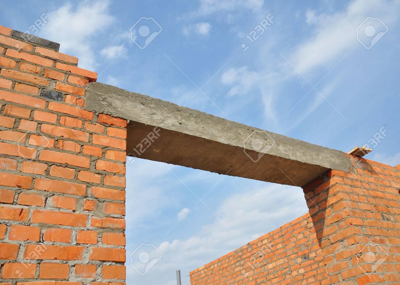 Cierre En Dintel Concreto. Ventana O Puerta De Hormigón Dintel En ...