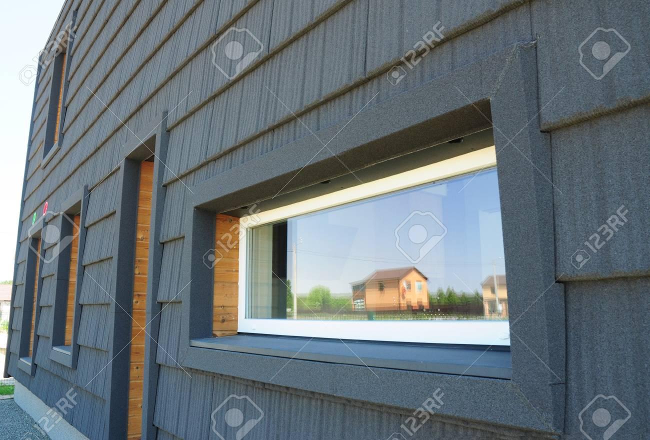 Neue Moderne Passivhaus-Energieeffizienz-Fassaden-Wand. Passivhaus ...