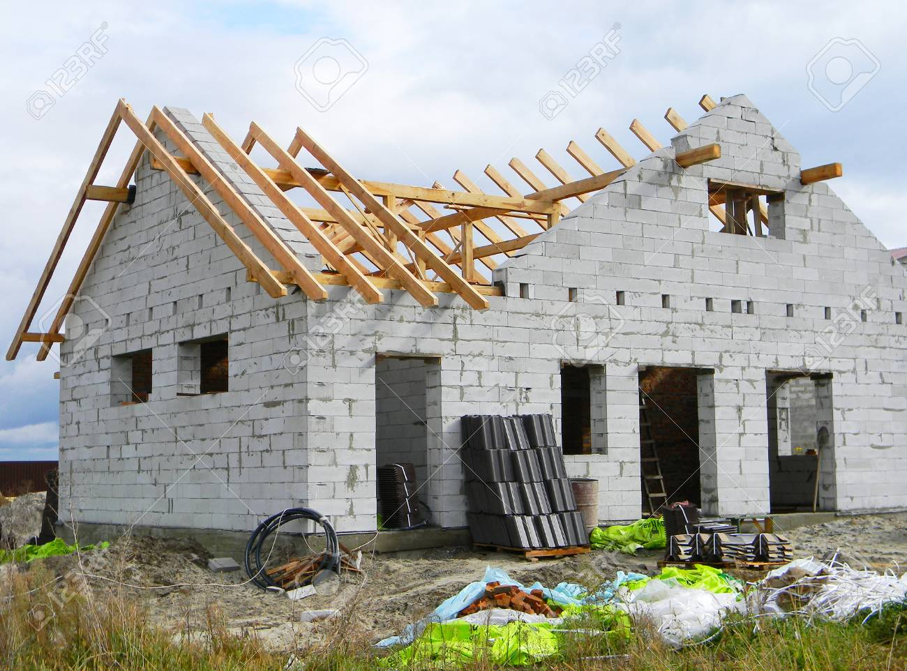 House Roofing Construction With Wooden Trusses Timber Roof