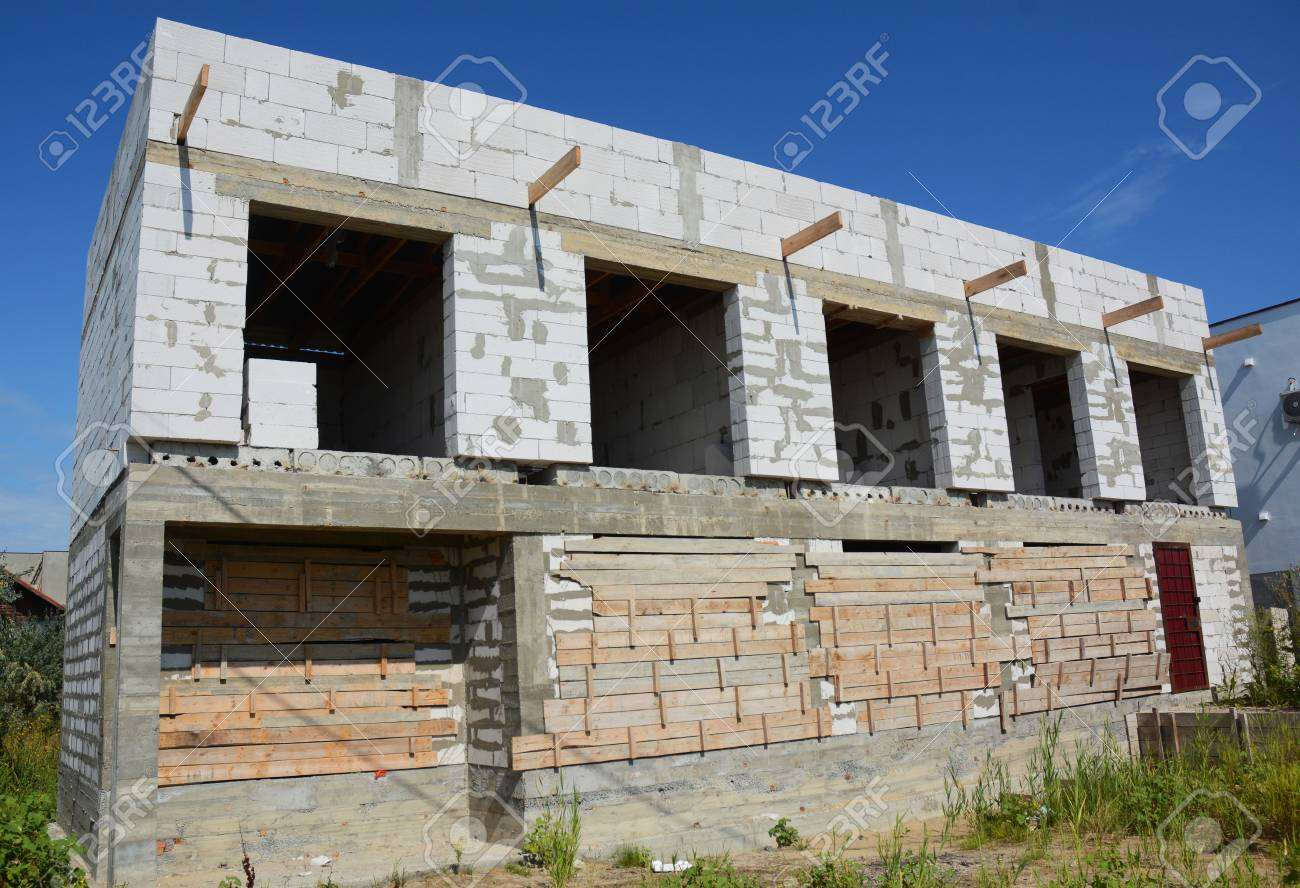 Unfinished House construction with autoclaved aerated concrete