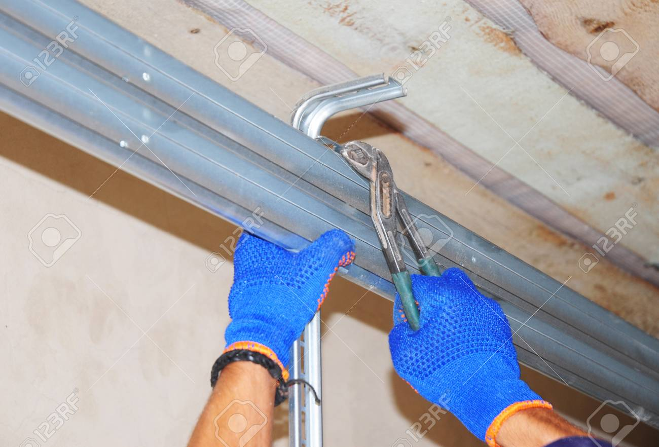 Onstruction Contractor Repair House Garage Door Opener System