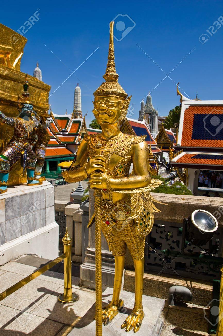 Thai fairy bird on half human at Wat Phra Keaw Stock Photo - 13359351