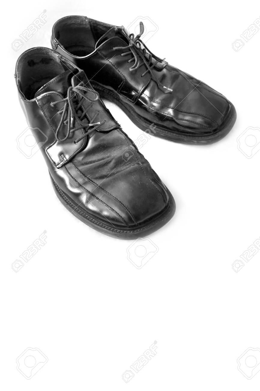 best service 1bf06 2f898 Banque d images - Une paire de chaussures de ville homme noir isolé sur  blanc - beaucoup de copier l espace.