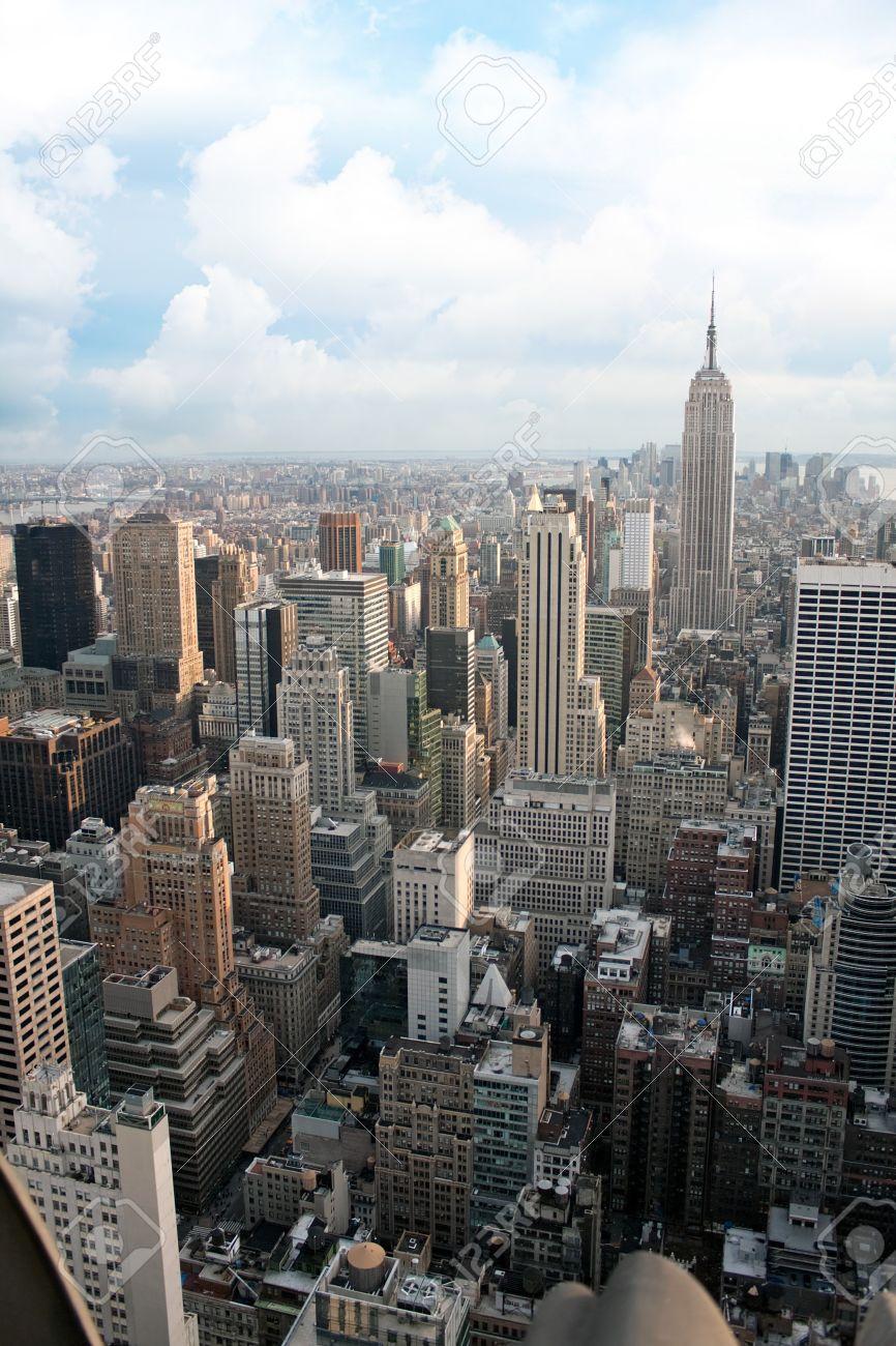 vista area vertical de la seccin de manhattan de nueva york incluyendo todos los edificios