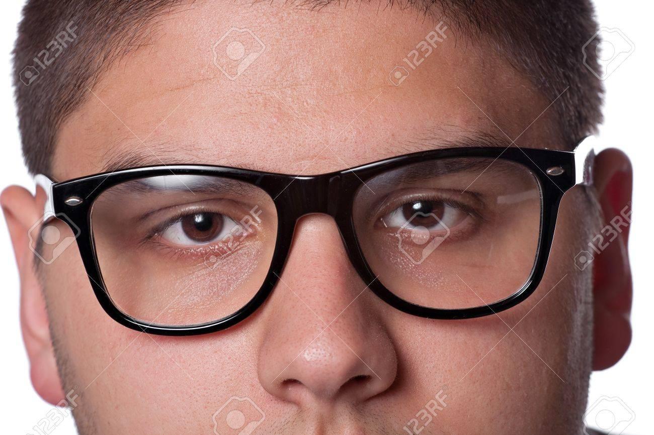 Un Hombre Joven Adolescente Aislado Más De Blanco Con Gafas Negras ...