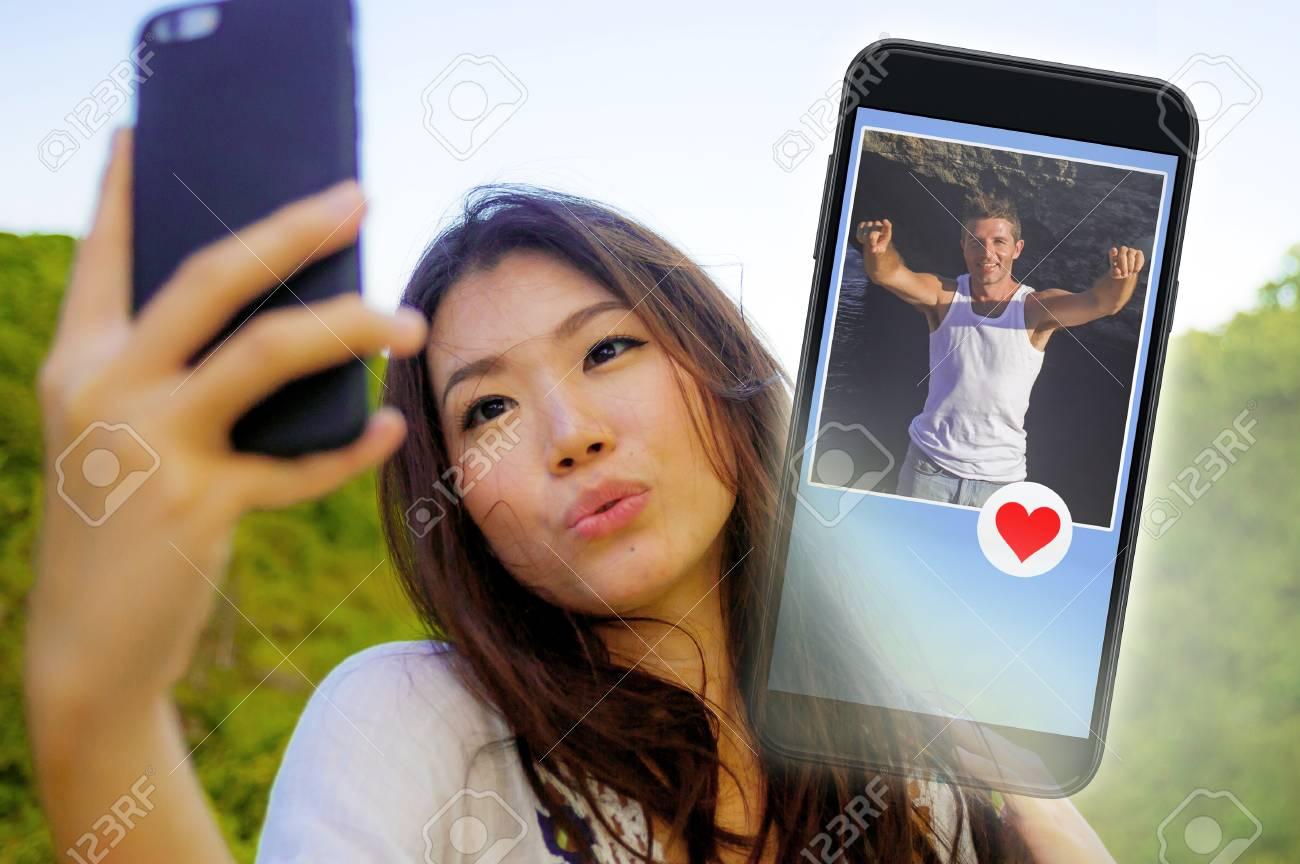 Najlepšie zadarmo online dating lokalít pre viac ako 40