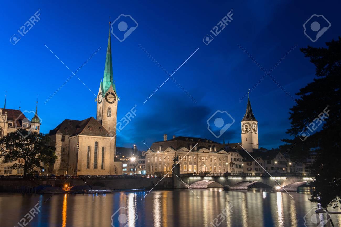 Zwitserse Stad Zurich Kort Voor De Dageraad Royalty Vrije Foto