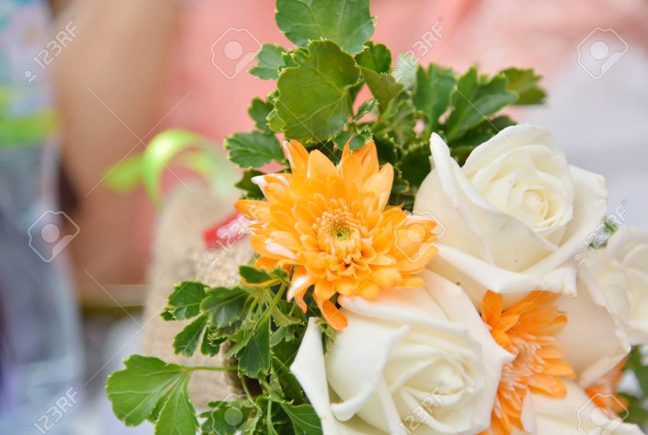壁紙のコンセプトの背景に造花ブーケ の写真素材 画像素材 Image