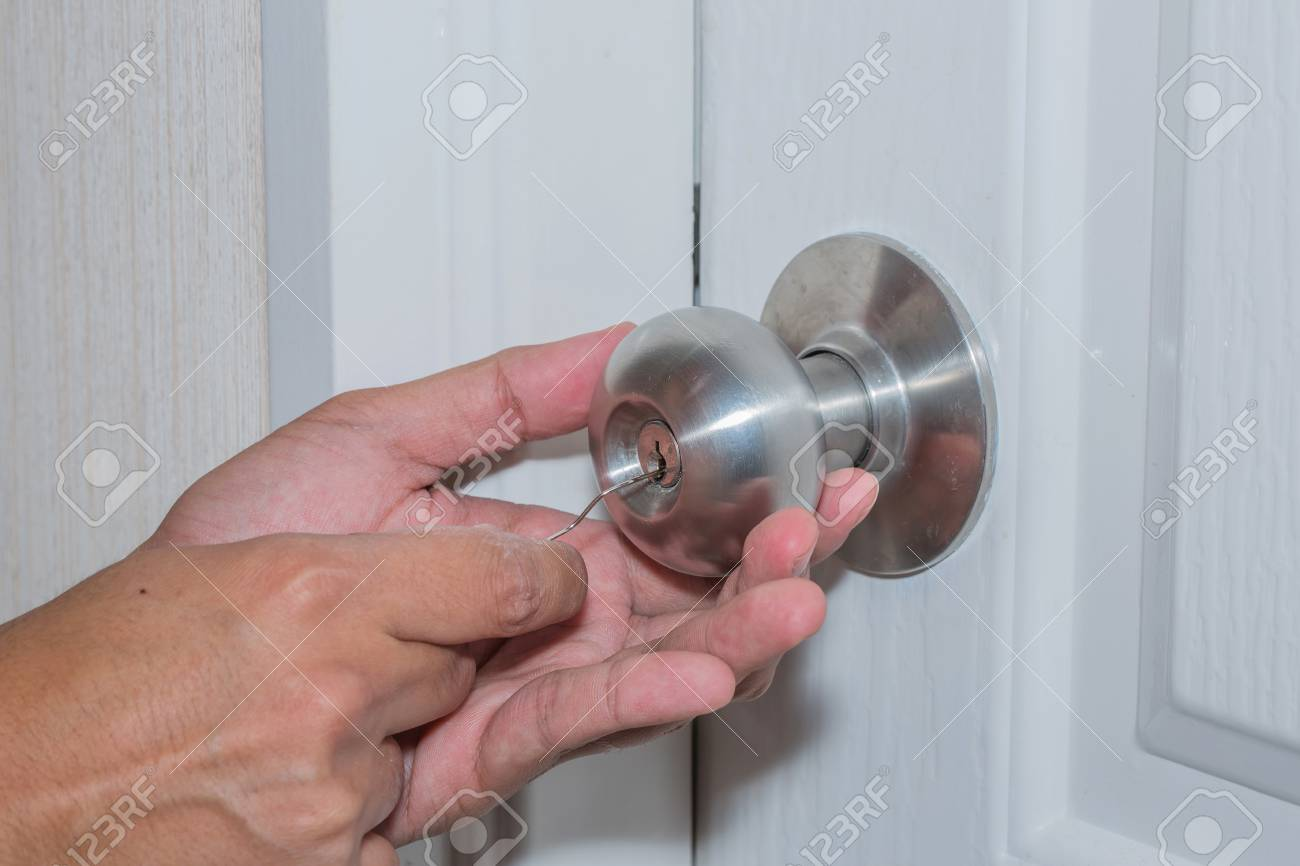 Hand-hold Wire And Use Wire To Theft Of White Door, But It Can ...