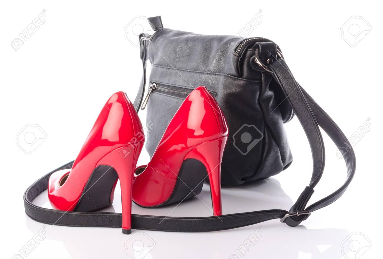 Rouges Avec NoirIsolé Sac Hauts Chaussures Un À Main Sur Talons PkuTOZiX